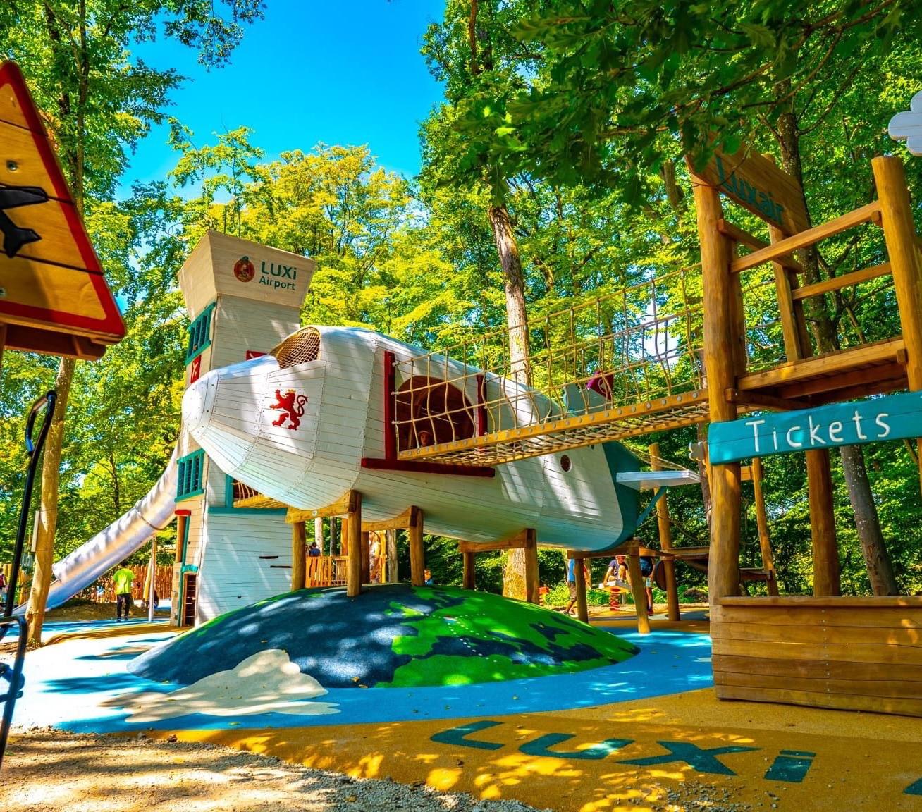 Aire de jeux Parc merveilleux avion
